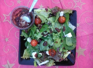 Brie salad with Jamco banana and cranberry dressing