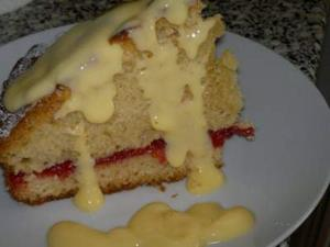 Jamco Banana and Raspberry Cake with Custard